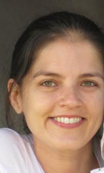 Dr. Carla Marques